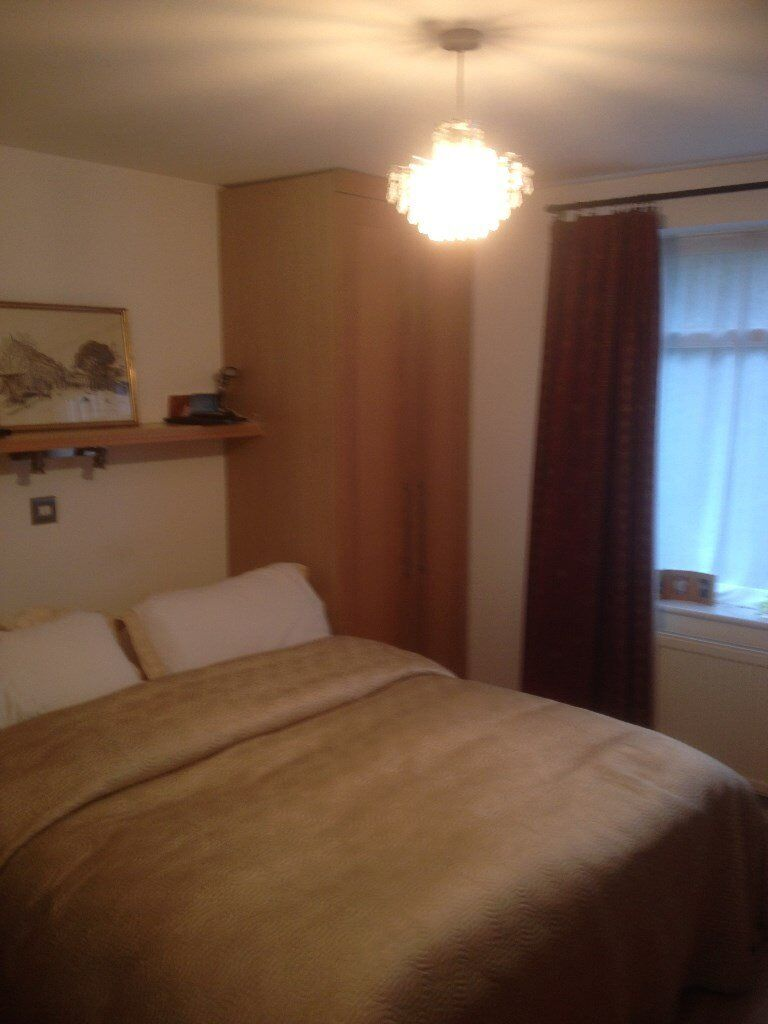 large double room Excellent location including bills