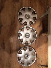Rover 25 - wheel trims