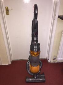 Dyson DC25 ball vacuum cleaner Working well, no tools.