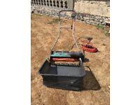 Lawn scarifier / raker