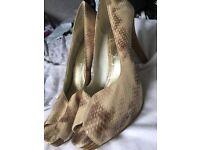 snake pattern size 9 heels