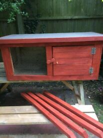 Rabbit hutch wooden handmade very solid, had 1 month's use only