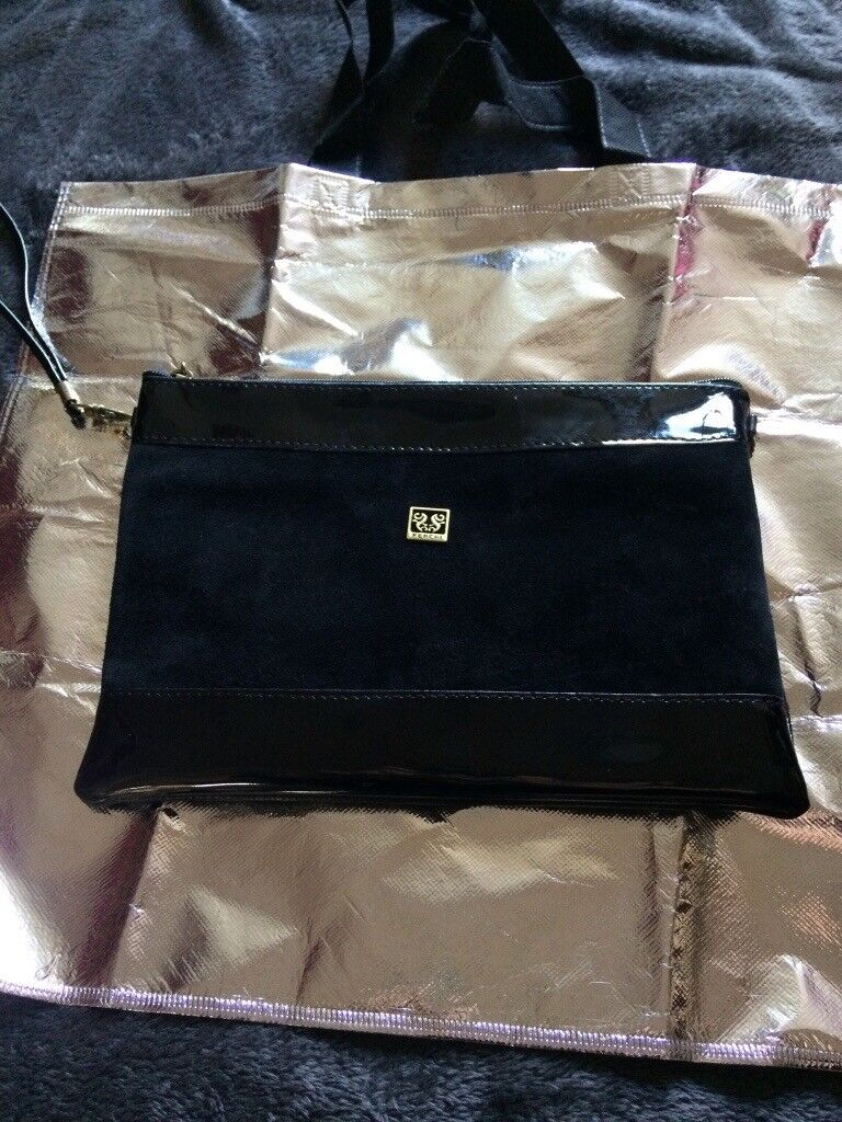 Las Black Coloured Ferchi Handbag