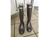Hunter Wellies, pearlescent pink/purple, size 7