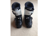 Kids Ski Boots Mondopoint size 20 (hardly worn), around UK size 13