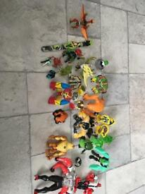 Ben 10 figures in Ben 10 back pack