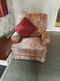 Sofa & 2 Armchairs - £40 ono