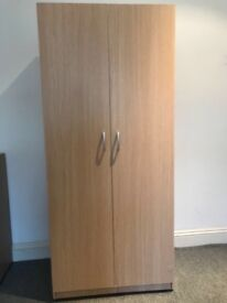 Wardrobe for sale, excellent condition, quick sale required, reduced from £15 to £10