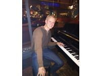 Piano Teacher, Martin Kendall, available for all ages, beginners and intermediates