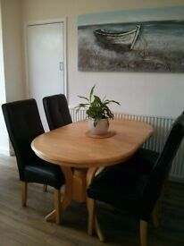Oval Extending Dining Table & 6 Chairs Set (£98)