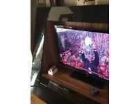 High end black gloss and Oak wood TV unit rrp1100