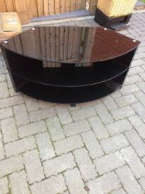 Stylish curved TV stand