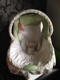 Battery operated gliding baby chair