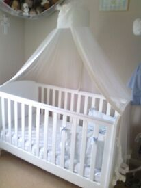 Cot/bed canopy