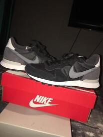 "Nike ""internationalist"" trainers"