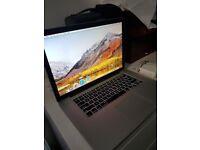 Macbook Pro 15 inches - Intel i7 Quadcore - Excellent Condition