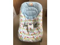 Chicco Relax & Play Baby Bouncer