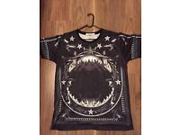 AUTHENTIC GIVENCHY men's tshirt size large worn once brand new condition