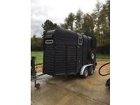 Rice treble horse trailer