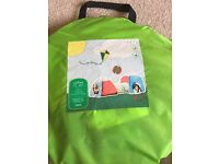 Outdoor play centre pop up tent