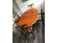 MEREDEW Extending dining table & chairs