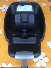 Maxi cosi easyfix base (non isofix) and bab car seat