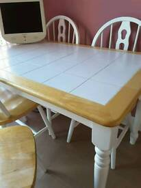 Dinning kitchen table with 4 chairs