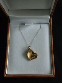 9ct Gold Love Heart Engraved Diamond Necklace In Gift Box Hallmarked Brand New £45 ONO