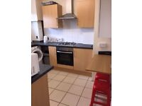 DOUBLE ROOM BETWEEN STREATHAM AND Tooting Bec
