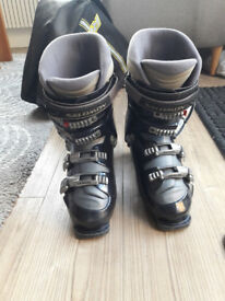 Women's Salomon Ski boots. Evolution2 Size 8 (26.5). Flex 70
