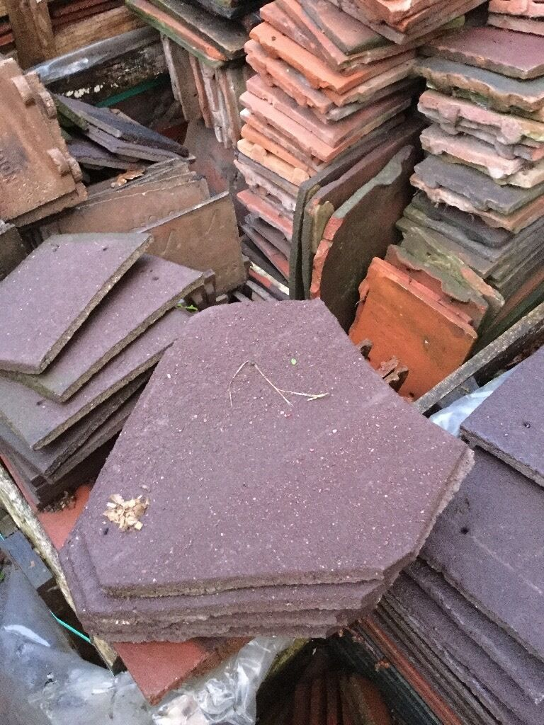 Brown redland concrete valley tilesin Hinckley, LeicestershireGumtree - 12 brown redland valley tiles £1 each happy to sell individual items