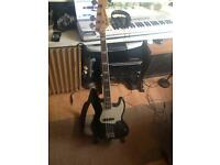 Fender 70s Jazz bass Reissue.