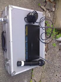 TRANTEC DIVERSITY 2000 RADIO MICROPHONE Hand-Held in Flight Case