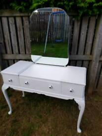 Beautiful queen Anne dressing table