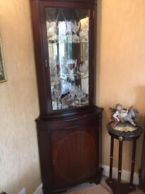 Corner cabinets (pair)