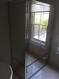 Mirrored wardrobe for sale (brand new)