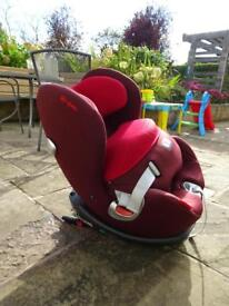 Cybex Sirona in Red - Unisex 360degree car seat