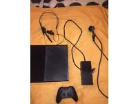 Xbox one 500GB Including controller mic and 4 games