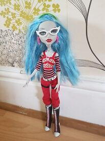 monster high doll: Ghoulia Yelps