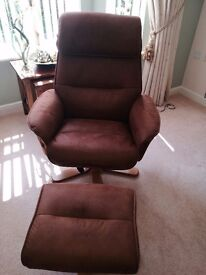 Padbury swivel relaxer chair and foot stool just over 3 mouths old in very good condition