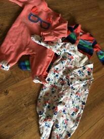 HUGE BUNDLE OF GIRLS CLOTHES, NEWBORN/FIRST SIZE