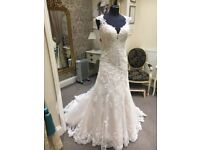 Essence Of Australia Wedding Dress BRAND NEW