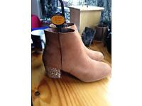 Tan Boots. Size 4 with Glitter heels