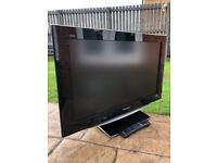 """Panasonic Viera 32"""" Lcd FullHd Slimline Tv Built In Freeview Remote & Stand Excellent Condition"""