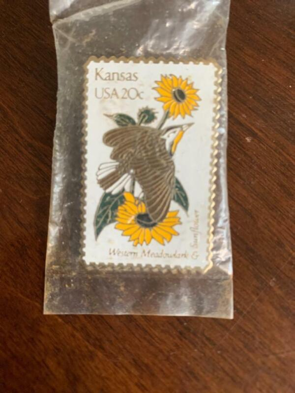 Vintage 1982 KANSAS STATE BIRD W MEADOWLARK FLOWER SUNFLOWER USPS 20c STAMP PIN