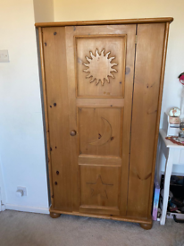 Solid wardrobe and chest of drawers