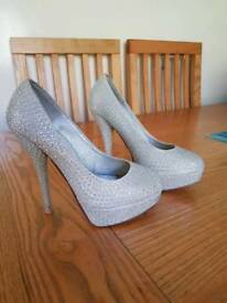 Ladies sparkly heels size 4