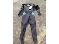Sola ML Extreme wetsuit brand new - cross the shoulder zip