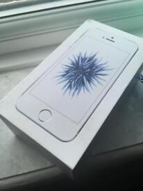iPhone SE *NEW* 32GB