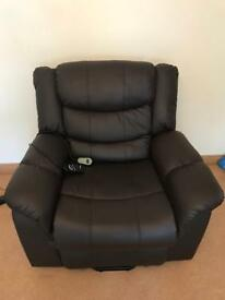 Rise and Recline chair with massage & heat function!